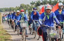Đạp xe xuyên miền Tây thực hiện các hoạt động vì cộng đồng