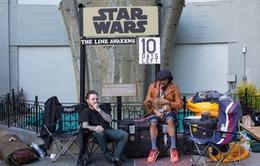 Fan Star Wars cắm trại cả tuần trước ngày phim ra mắt