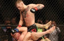 UFC: Thắng K.O, võ sỹ vượt rào gây hấn kình địch