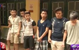 """Tạm giữ nhóm """"quái xế"""" gây náo loạn đường phố Hà Nội"""