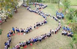 Thừa Thiên - Huế:  Học sinh tiểu học xếp hình bản đồ Việt Nam