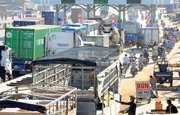 Ùn tắc giao thông nghiêm trọng trong ngày đầu thu phí cầu Đồng Nai