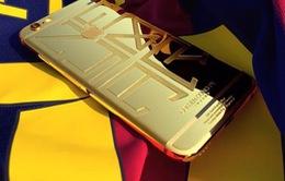 Neymar gây sốc với điện thoại iPhone 6 mạ vàng long lanh