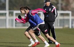"""Bale cho """"sao mai"""" Martin Odegaard """"hít khói"""" trong màn đua tốc độ"""
