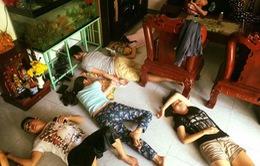 Bán sức trên phim trường: Ăn bờ, ngủ bụi