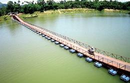 Điện Biên: Sử dụng cầu phao tạm thay thế cầu treo bị hỏng