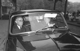 """Jean-Paul Sartre, người đầu tiên """"dám"""" chê giải Nobel Văn chương"""