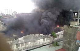 Hà Nội: Cháy lớn tại kho chứa phụ tùng Công ty Ôtô Cơ khí Hòa Bình