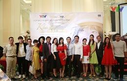 Dàn diễn viên 'Khúc hát mặt trời' rạng rỡ trong buổi họp báo tại Hà Nội