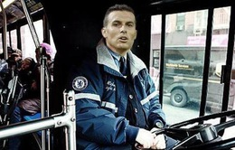 Biếm hoạ bóng đá: Pedro - tài xế mới của chiếc xe bus Chelsea