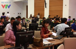 Đông đảo PV tích cực tác nghiệp tại Trung tâm báo chí