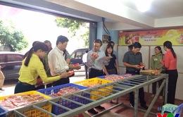 Bánh Trung thu làng nghề Xuân Đỉnh tìm lại chỗ đứng