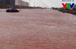 Thanh Hóa: Nhiều tuyến đường thành sông sau mưa lớn