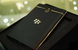 Quy trình mạ vàng chiếc BlackBerry Passport