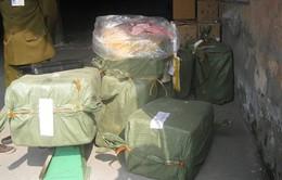 Hà Nội: Bắt giữ vụ vận chuyển hơn 8 tấn hàng hóa không rõ nguồn gốc