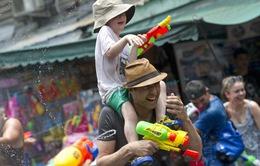 Những hình ảnh đẹp trong Lễ hội té nước Songkran