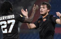 """Bị """"ném chuối"""", Gervinho kêu gọi UEFA phạt nặng CĐV Feyenoord"""