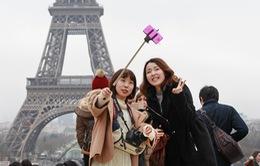 Gậy tự sướng bị cấm tiệt tại Paris