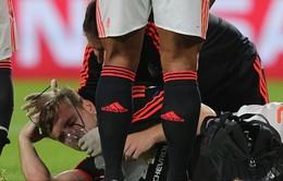 Tin dữ cho Man Utd: Luke Shaw nghi gãy đôi xương chân, có thể nghỉ hết mùa