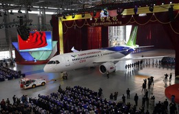 Trung Quốc ra mắt máy bay tự sản xuất; cạnh tranh với Boeing, Airbus