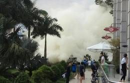 TP.HCM liên tiếp xảy ra cháy, người dân tháo chạy ra đường