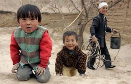 """""""Những đứa trẻ bị bỏ lại"""" ở vùng quê Trung Quốc"""