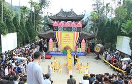 Chùa Hương đón hơn 50.000 du khách ngày khai hội