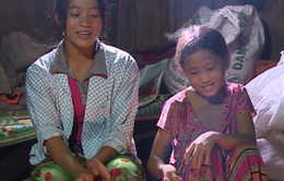 Cuộc sống khó khăn của hai chị em mồ côi ở vùng núi Hà Giang