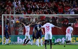 Thất bại trước Sevilla, Real mất ngôi đầu
