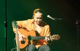 Nhạc sĩ Lê Minh Sơn 'du ca' tới nhà hàng Bữa trưa vui vẻ
