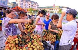 Rượu nếp, trái cây đắt hàng dịp Tết Đoan Ngọ