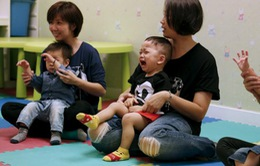Trẻ em Hong Kong (Trung Quốc)ôn thi vào… mẫu giáo