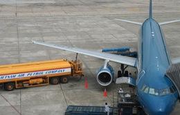 Bắt quả tang trộm xăng khi tiếp nhiên liệu cho máy bay