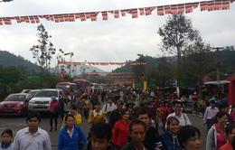 Hàng vạn người đổ về khai hội Yên Tử