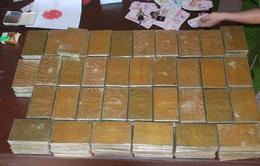 Bắt vụ buôn bán 18 bánh heroin