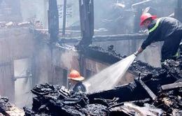 Di dời khẩn cấp các hộ dân ở khu nhà gỗ phường Chương Dương