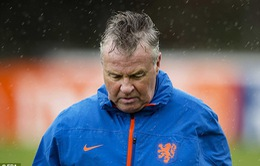 Guus Hiddink bất ngờ từ chức HLV ĐT Hà Lan