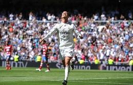 Ghi 5 bàn vào lưới Granada, Ronaldo đã phá được những kỷ lục gì?