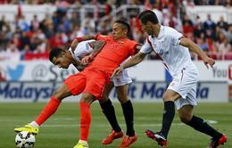 Sevilla 2-2 Barcelona: Cầm vàng lại để vàng rơi!