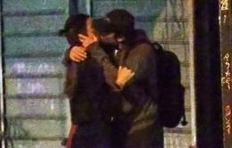 """Bradley Cooper say đắm """"khóa môi"""" bồ cũ của Ronaldo"""