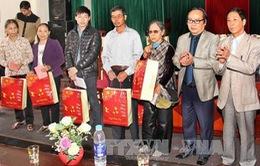 Hội Nhà báo Việt Nam tặng 500 suất quà Tết cho người nghèo