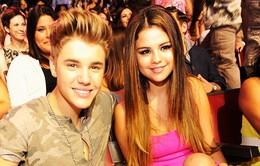 Justin Bieber cảm thấy như đã kết hôn với Selena Gomez