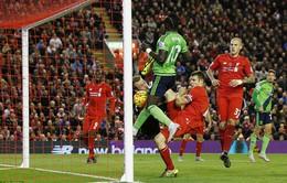 Đánh rơi chiến thắng phút 86, Liverpool hòa trận thứ 5 liên tiếp
