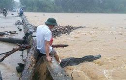 Hà Tĩnh: Mưa lớn gây ngập lụt nặng tại nhiều địa phương