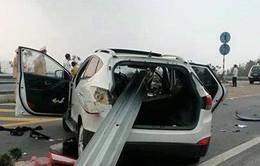 Tai nạn ô tô kinh hoàng trên cao tốc Nội Bài - Lào Cai