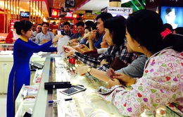 TP.HCM: Người dân tấp nập đi mua vàng ngày Thần Tài