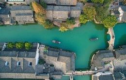Thành cổ 1300 năm đẹp mê hoặc giữa dòng kênh xanh