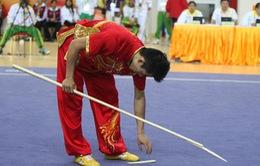 Tại sao lại có hiện tượng gẫy côn khi thi đấu môn Wushu?