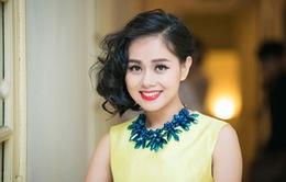 Á quân Vietnam Idol 2012 Hoàng Quyên dành dụm tiền làm liveshow