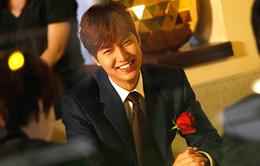 Fan 'đổ rầm' vì vẻ đẹp ngọt ngào của Lee Min Ho